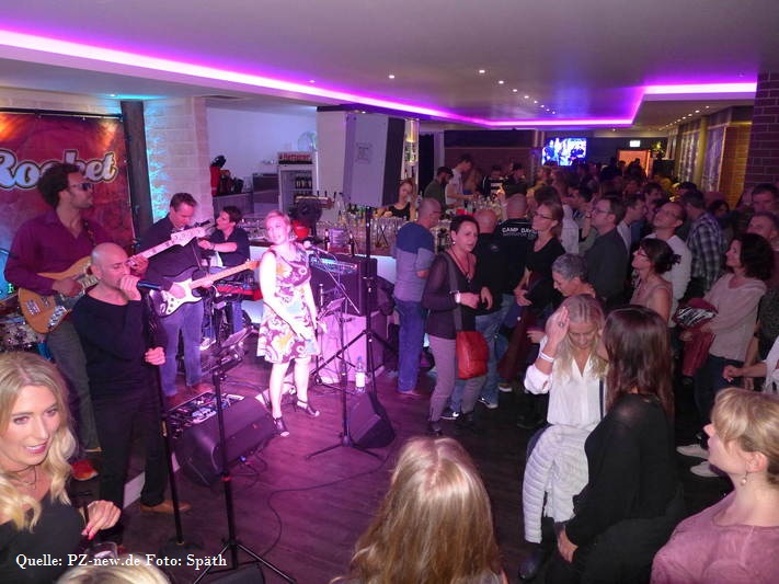 Club Livenacht 3 Hot Rocket Coverband Stuttagart Livemusik